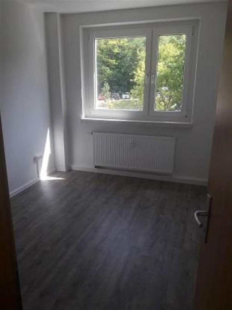 4 Zimmer Etagenwohnung Mit Balkon Zur Miete In Jena Lobeda